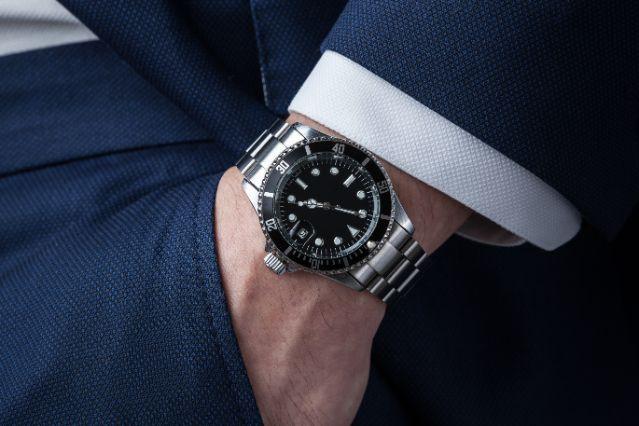 時計買うなら100万円のロレックス、10万円のセイコーどっち?