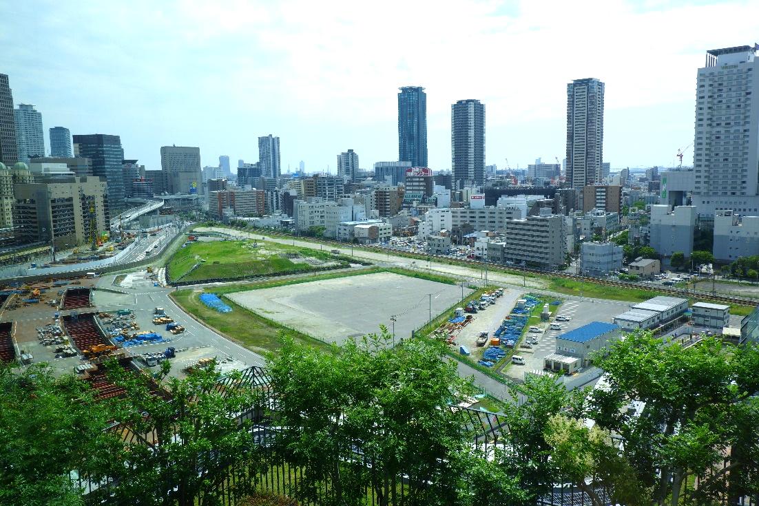 セミナー会場(グランフロント大阪)から見えた大阪駅北側の「うめきた2期」開発予定地